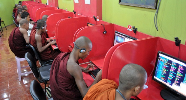 Monks in a Myanmar internet café  Source: Nomad Within (Pete