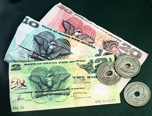 Banknotes and Coins of PNG (image: Bin im Garten [CC BY-SA 3.0] via Wikimedia Commons)