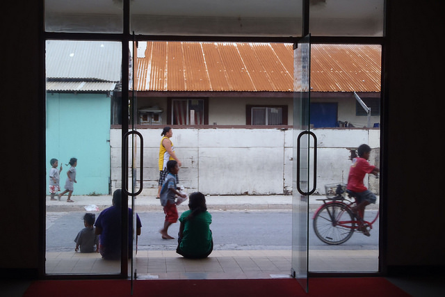Ebeye, Marshall Islands streetscape (Flickr/DFAT/Erin Magee)
