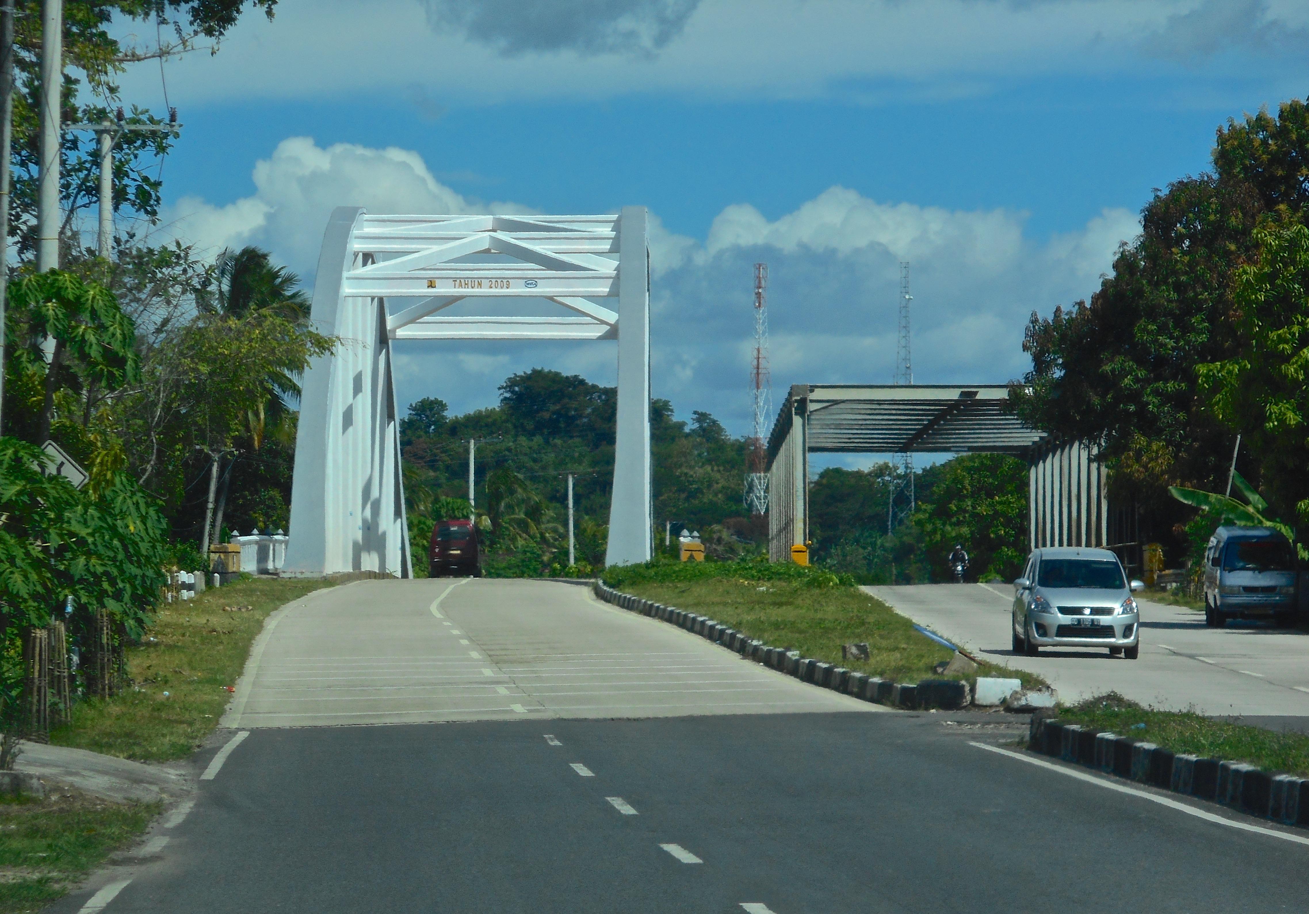 Indonesia Steel Bridges Project (image: Robert Cannon)