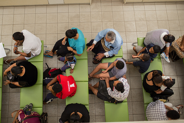 Tongans wait to be seen at Viola Hospital, Nuku'alofa (Flickr/DFAT/Connor Ashleigh for AusAID CC BY 2.0)