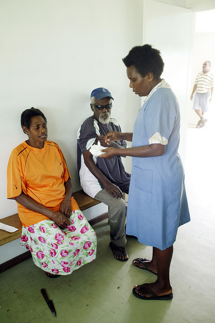 Diabetes check-up, Norsup hospital, Malekula Island, Vanuatu 2007 (Flickr/DFAT/Rob Maccoll for AusAID CC BY 2.0)
