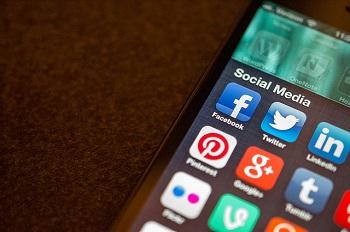 Social Media apps (Flickr/Jason Howie CC BY 2.0)