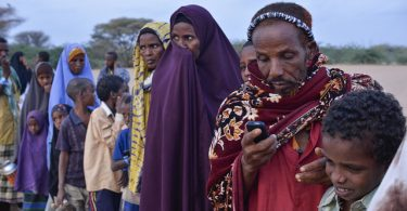 Texting, Dadaab Refugee Camp (Internews Europe CC BY NC ND 2.0)