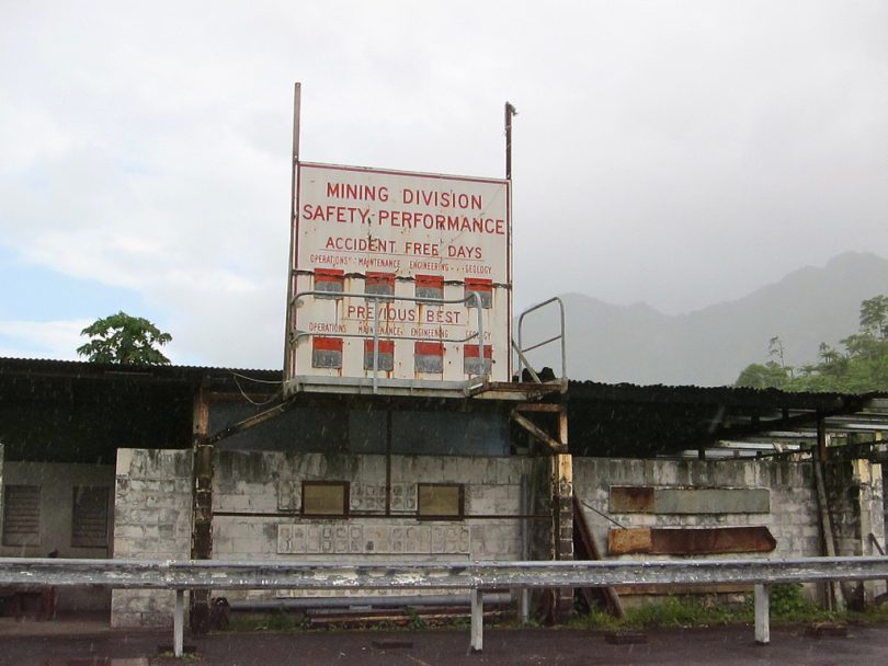 Remnants of Panguna mine buildings (madlemurs/Flickr CC BY-NC-ND 2.0)