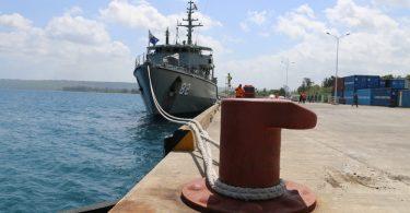 The Australian Navy's HMAS Huon docked at Luganville (Credit: RadioNZ)