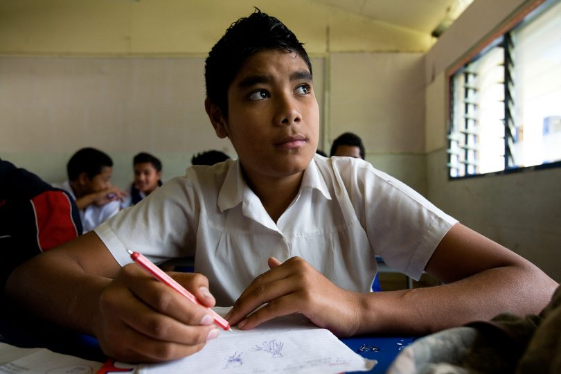 A Tongan high school student (Luis Enrique Ascui/ADB/Flickr/CC BY-NC-ND 2.0)